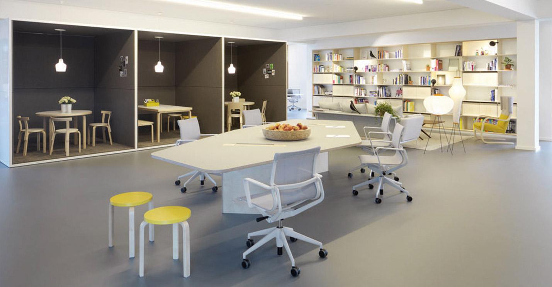 Lhl Buroeinrichtung Designermobel Burostuhl Schreibtisch